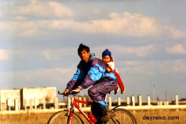 child bike seat vs trailer
