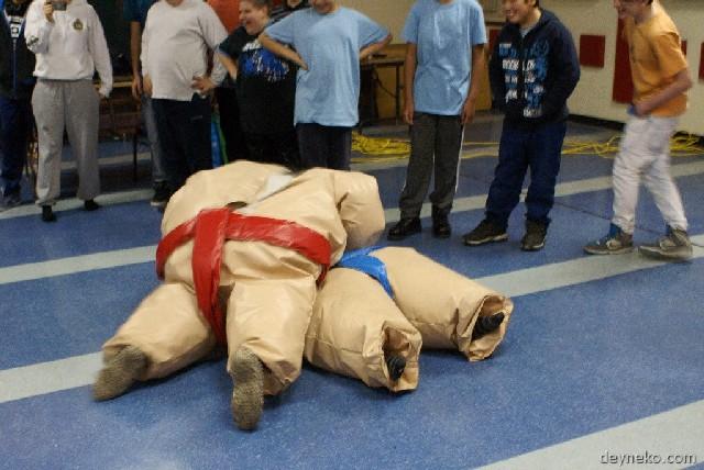 Les cadets de l'air font du sumo