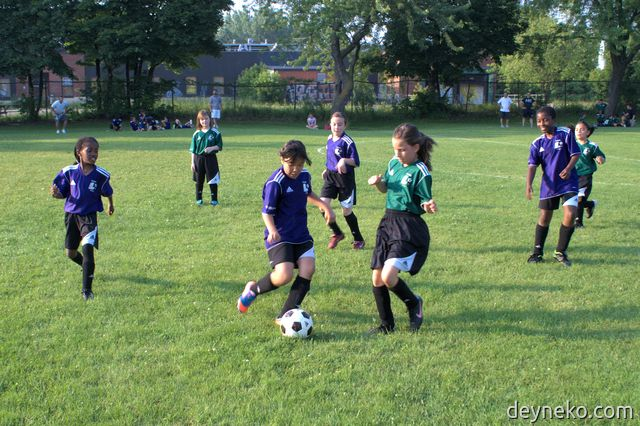 girls soccer - work in defence