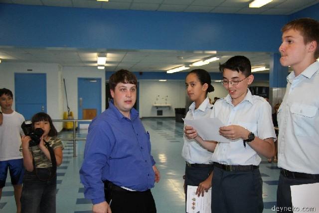 Les cadets recevent des nouveaux grades