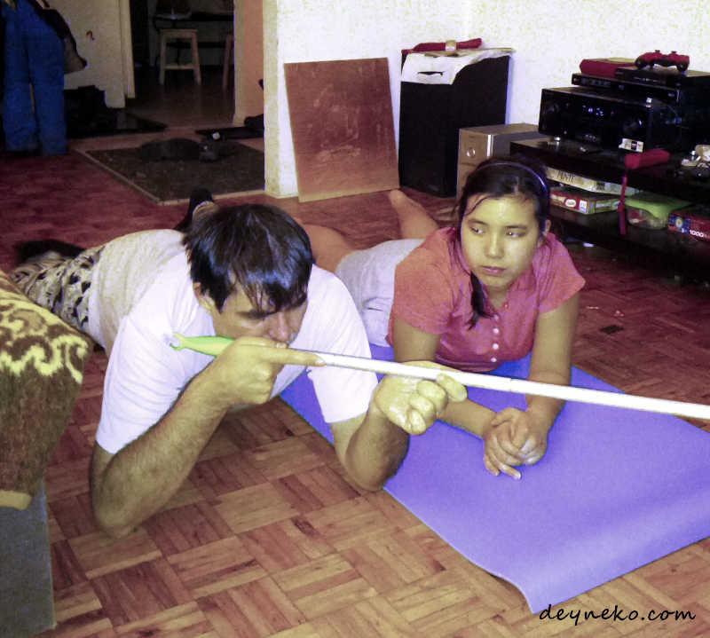 упражнение по стрельбе со шваброй