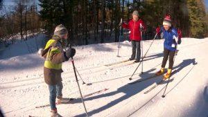 Ален учится кататься коньковым ходом на лыжах