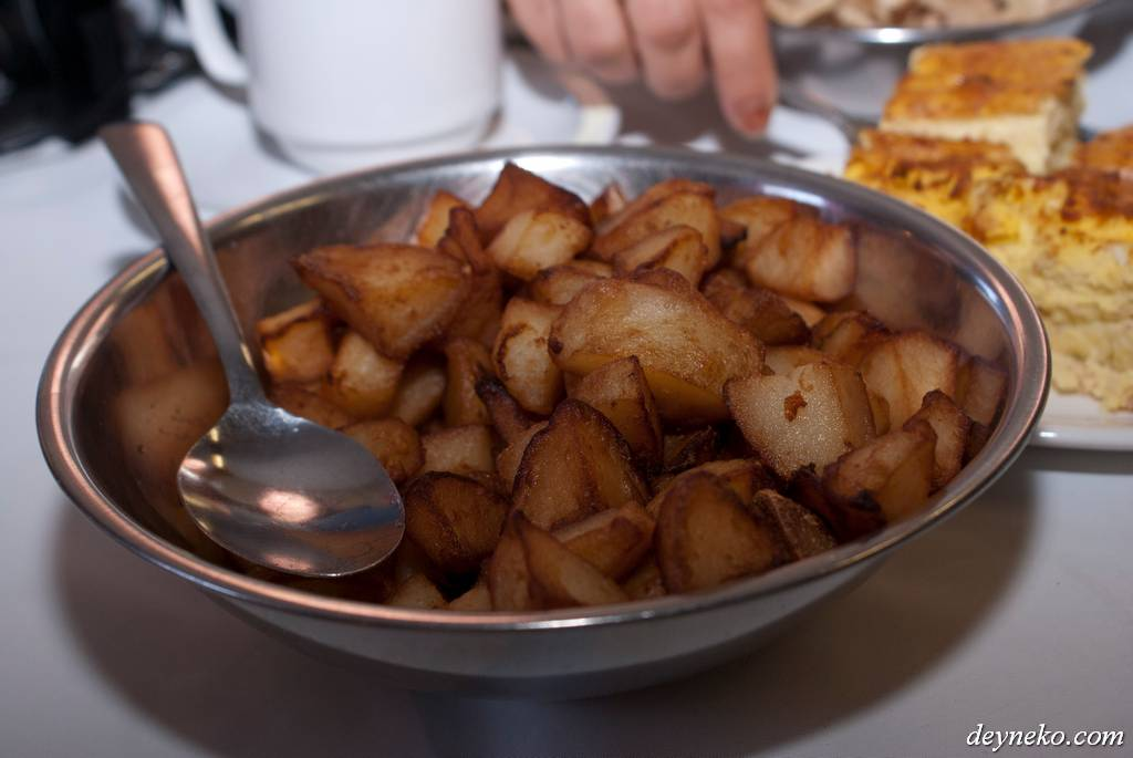 Картошка, моя любимая картошка и с сиропом мне очень понравилась