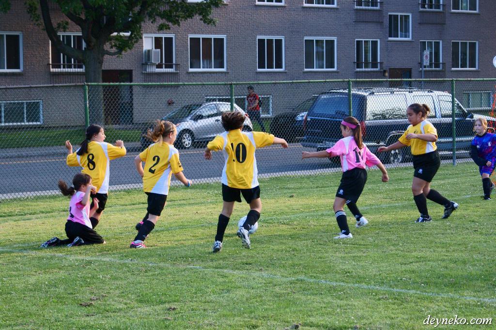 Канада футбол для девочек