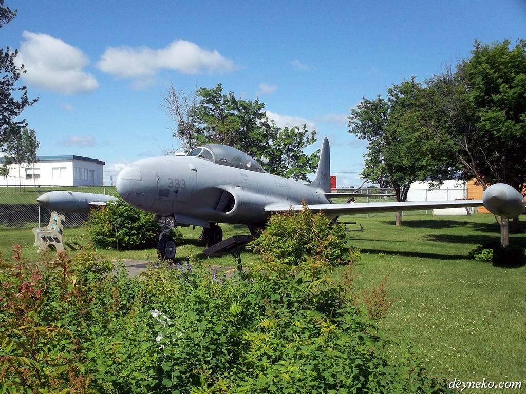 канадский истребитель Canadair CT-133 Silver Star