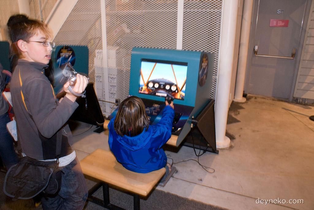 копьютерный тренажер самолета в музее