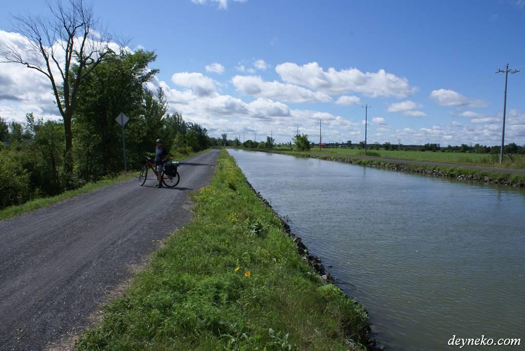 велодорожка вдоль канала Шамбли в Квебеке, la route verte 1