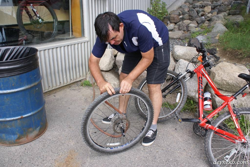 замена пробитой камеры на горном велосипеде