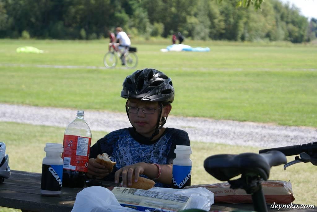 обед во время велопохода в провинции Квебек Канада