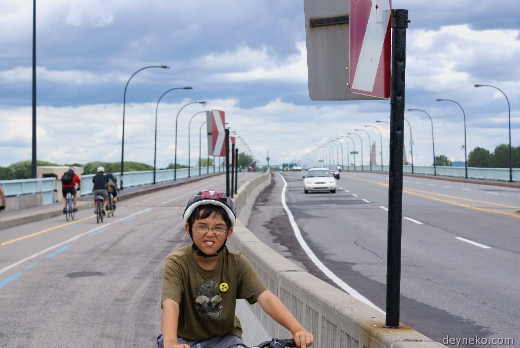 велодорожка на мосту