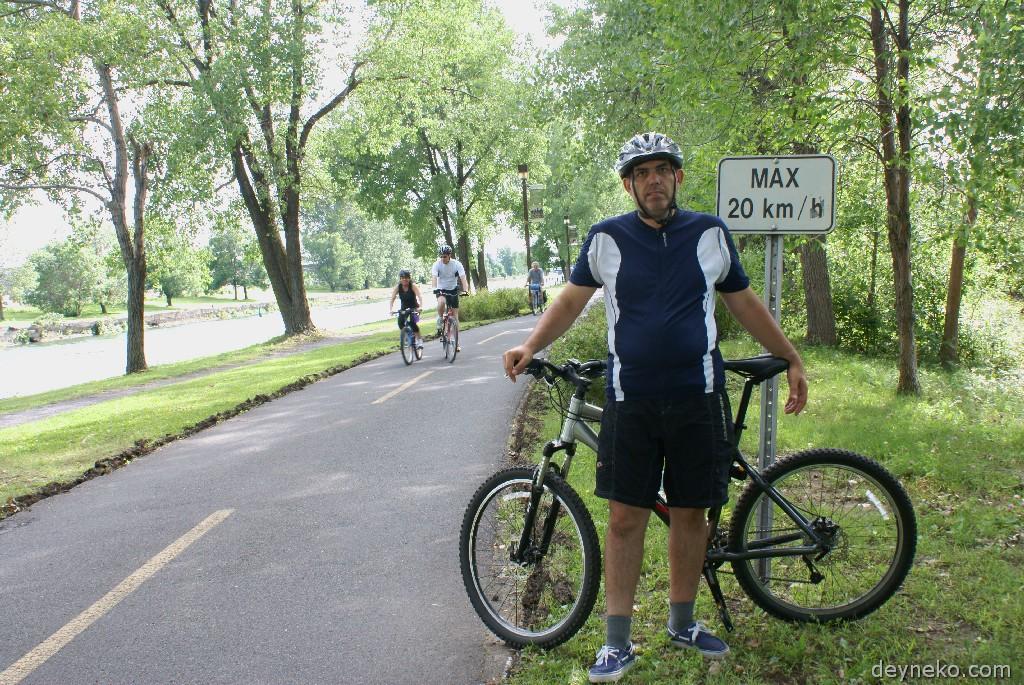 На велосипеде с детьми по Монреалю и его окрестностям